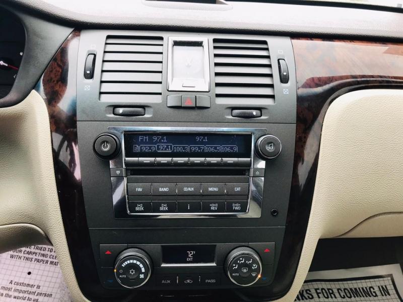 Cadillac DTS 2009 price $8,995