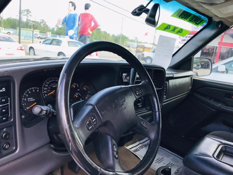Chevrolet Silverado 2500HD 2005 price $13,995