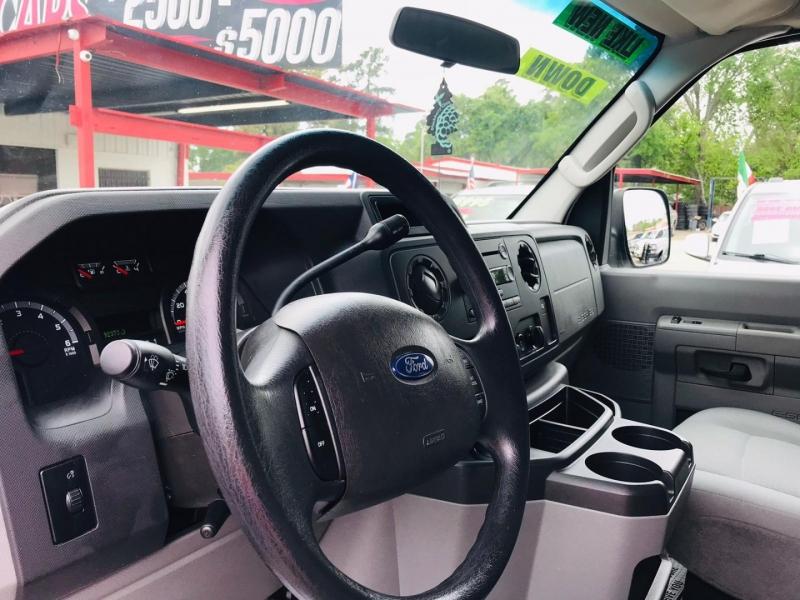 Ford Econoline Wagon 2009 price $14,995