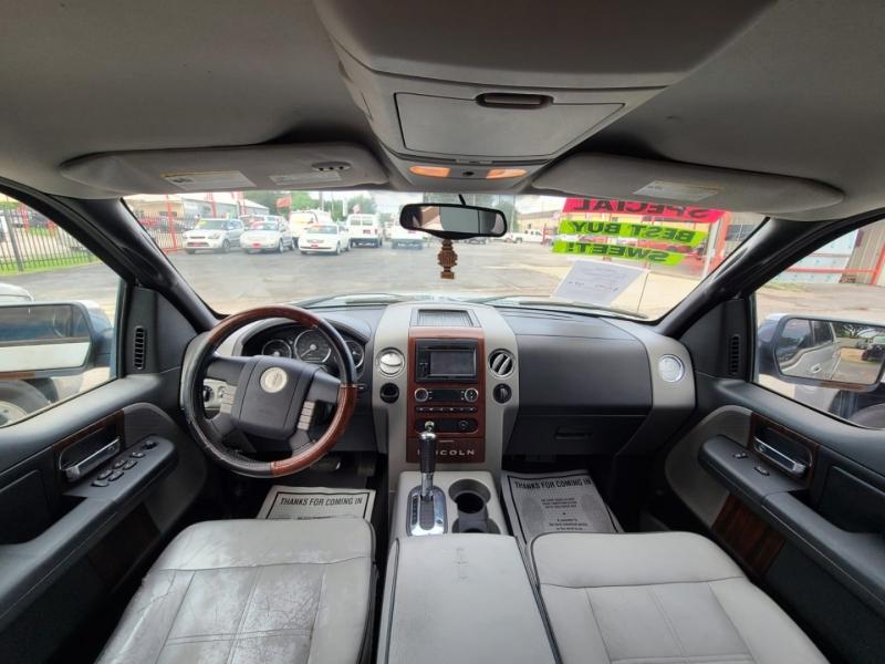Lincoln Mark LT 2006 price $10,995