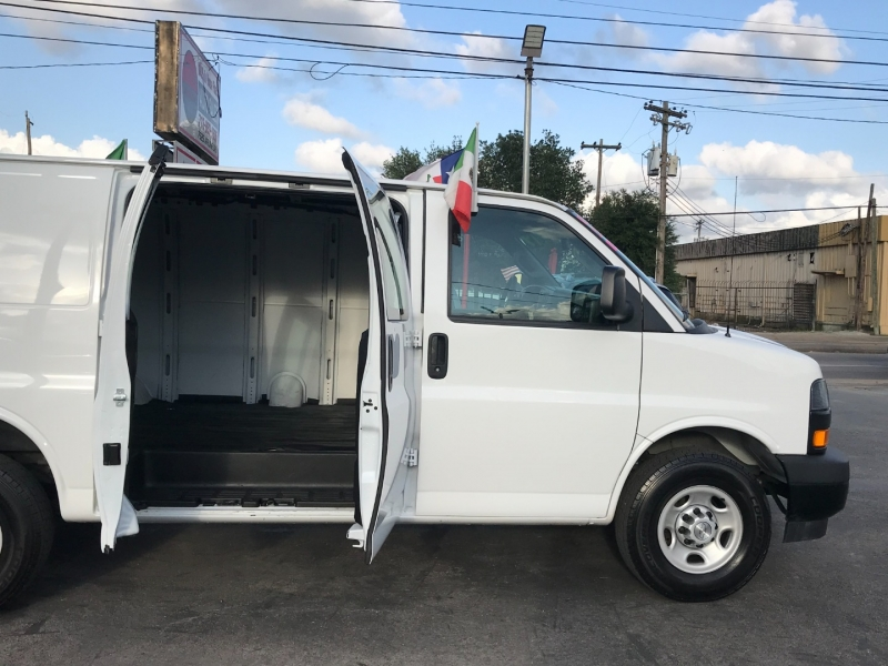 Chevrolet Express Cargo Van 2019 price $18,995