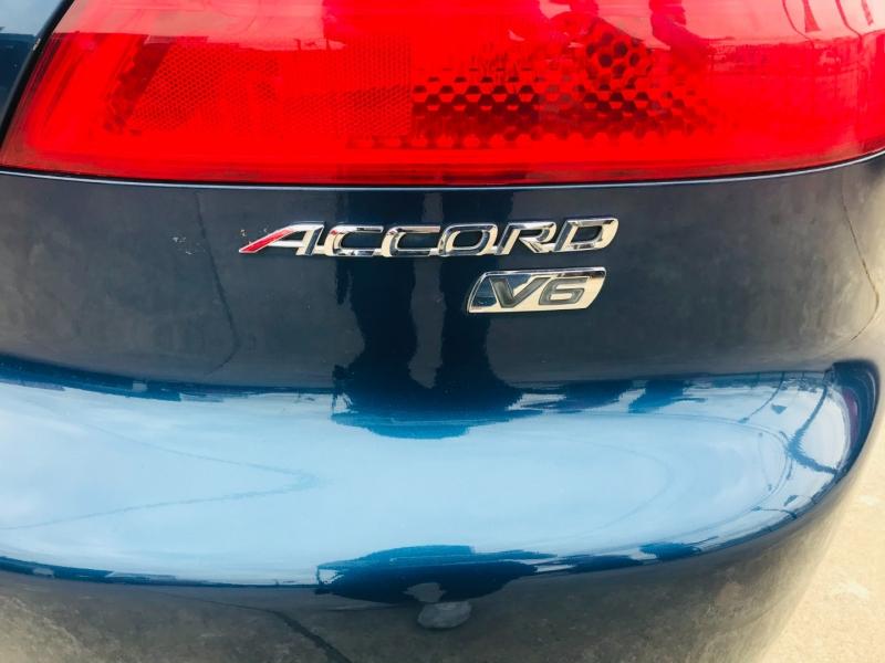 Honda Accord Cpe 2004 price $5,995