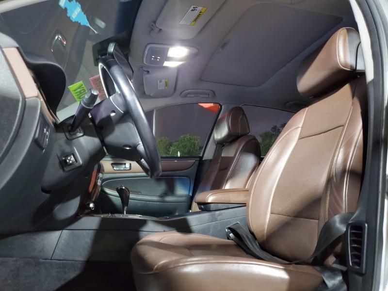 Hyundai Genesis 2009 price $10,500