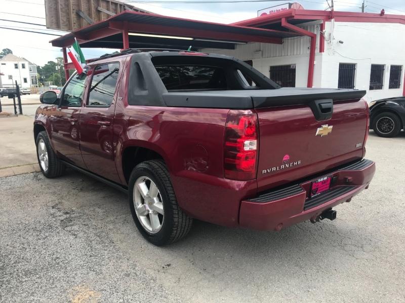 Chevrolet Avalanche 2007 price $13,995