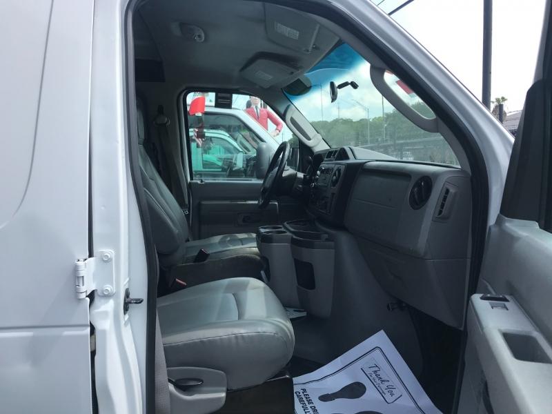 Ford Econoline Cargo Van 2011 price $14,500
