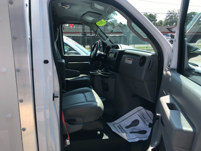 Ford Econoline Commercial Cutaway 2014 price $17,995