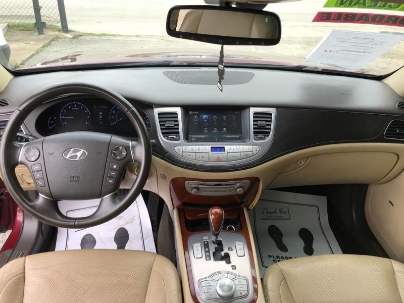 Hyundai Genesis 2013 price $7,995