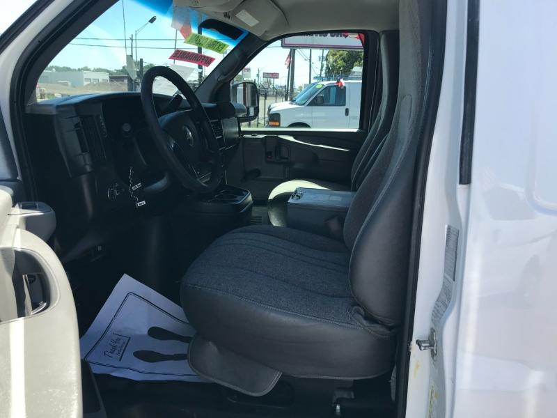 Chevrolet Express Cargo Van 2011 price $15,995