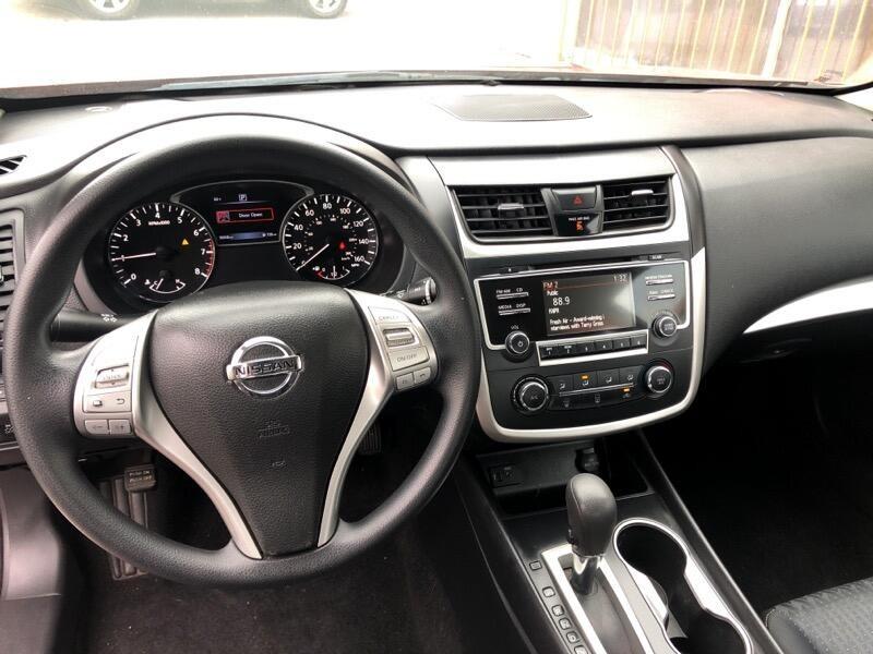 Nissan Altima 2016 price $10,998