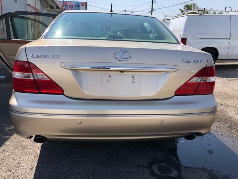 Lexus LS 430 2004 price $11,995