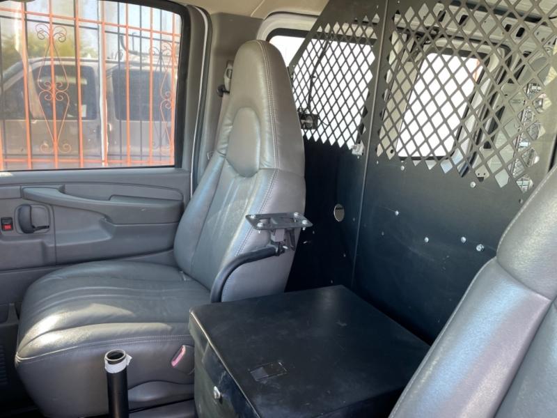 Chevrolet Express Cargo Van 2006 price $12,500