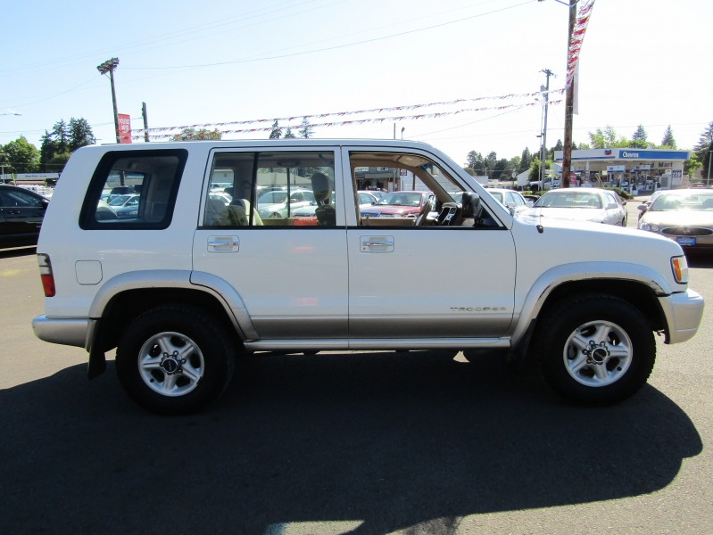 Isuzu Trooper 2000 price $5,477