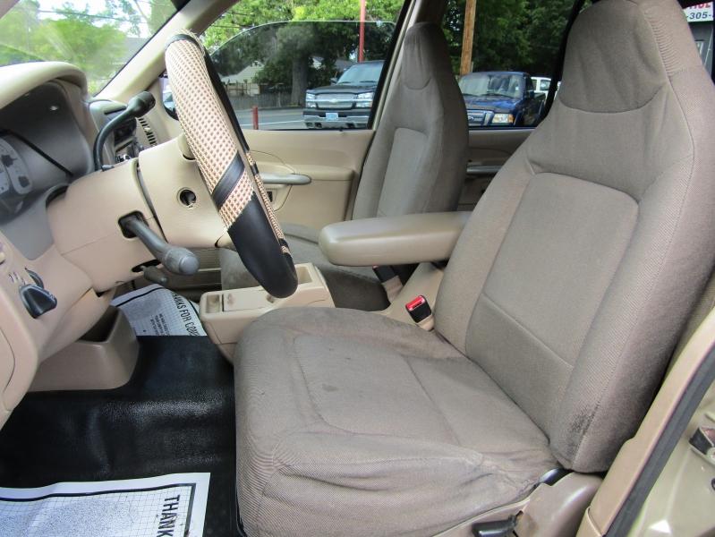 Ford Explorer Sport Trac 2001 price $5,477