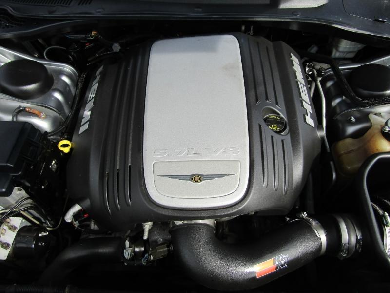 Chrysler 300-Series 2006 price $8,977