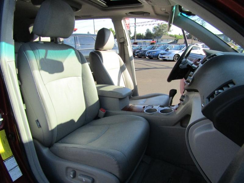 Toyota Highlander 2008 price $14,477