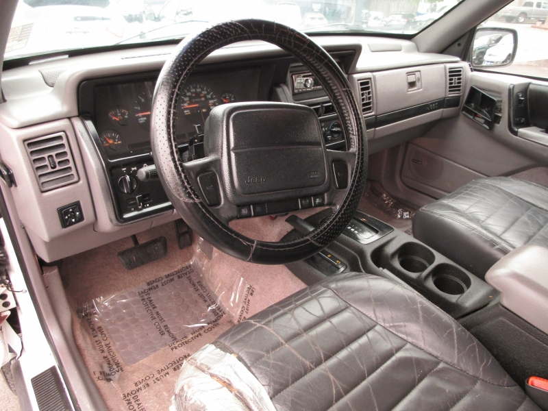 Jeep Grand Cherokee 1995 price $5,977