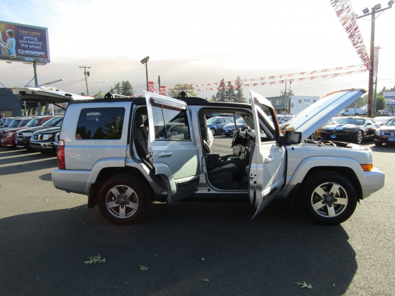 Jeep Commander 2006 price $8,977