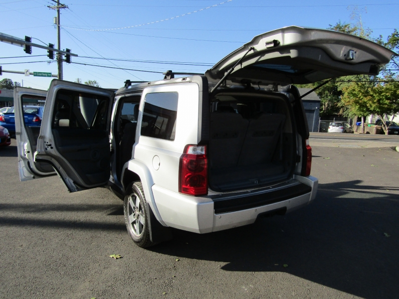 Jeep Commander 2006 price $7,477