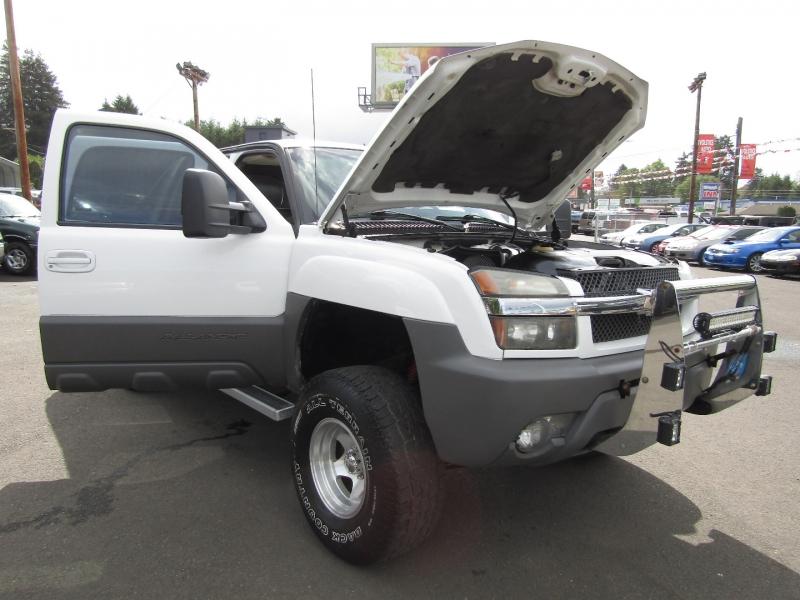 Chevrolet Avalanche 2002 price $9,977