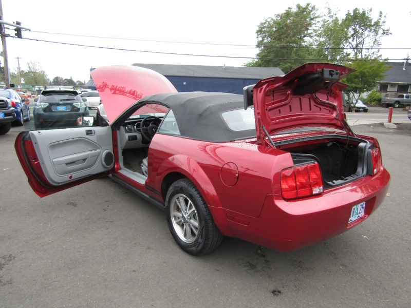 Ford Mustang 2005 price $5,977