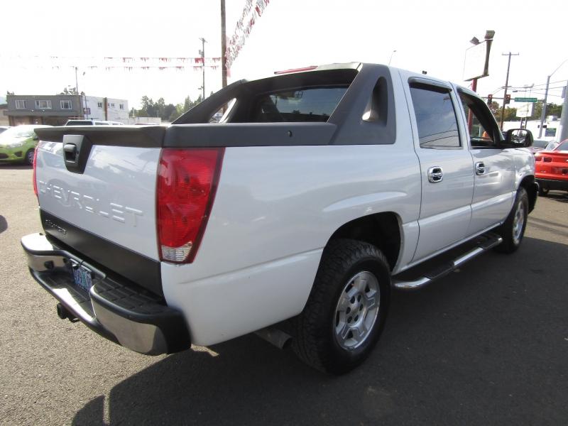 Chevrolet Avalanche 2004 price $5,977