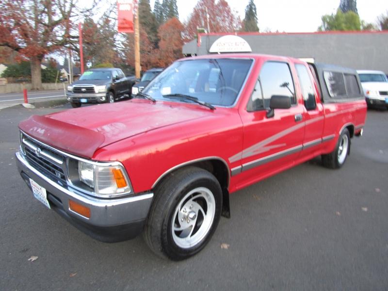 Toyota 2WD Pickups 1992 price $6,977