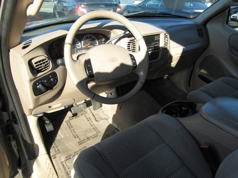 Ford F-150 2001 price $5,977