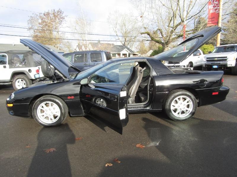 Chevrolet Camaro 2002 price $13,977