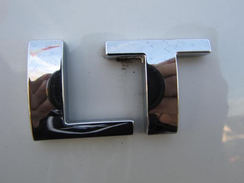Chevrolet Suburban 2012 price $14,977