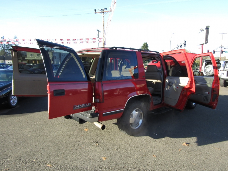 Chevrolet Tahoe 1999 price $7,977