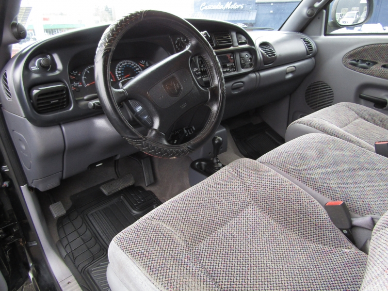 Dodge Ram 2500 1998 price $8,977