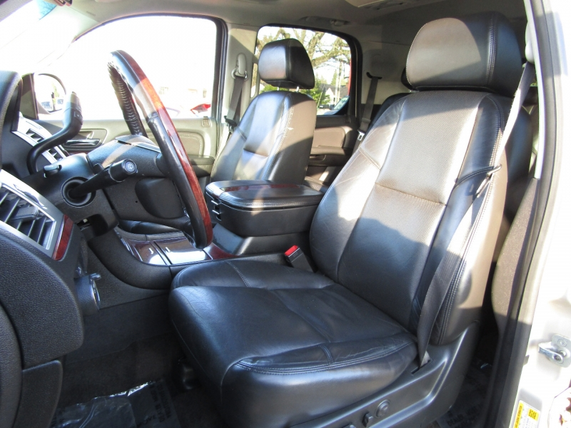 Cadillac Escalade 2008 price $11,977