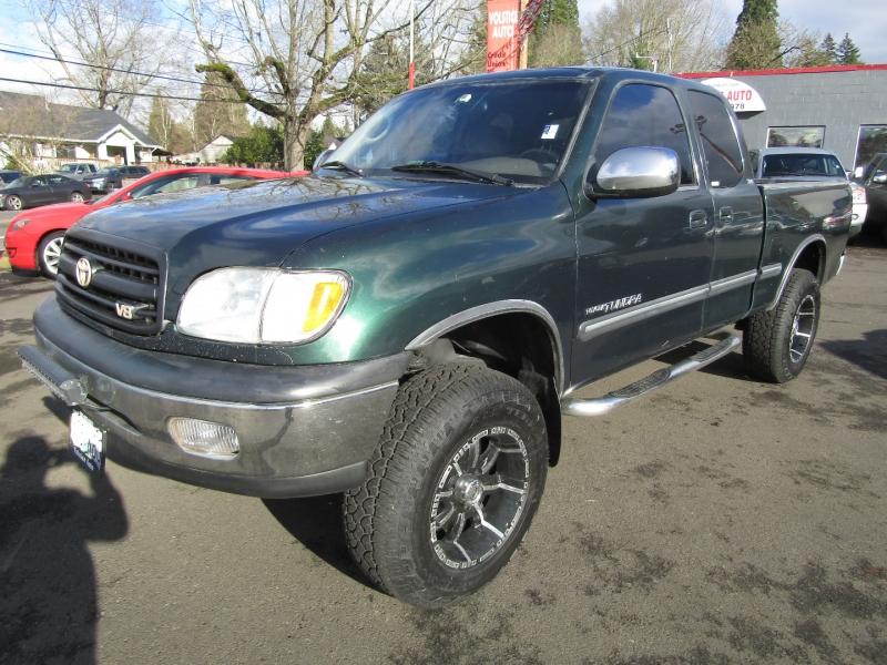 Toyota Tundra 2001 price $8,477