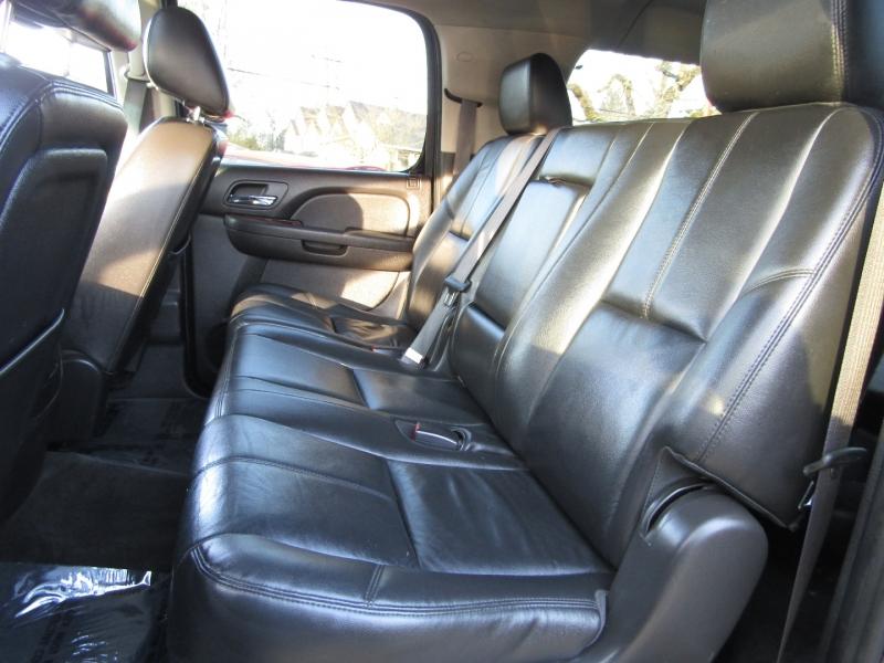 Chevrolet Suburban 2012 price $16,977