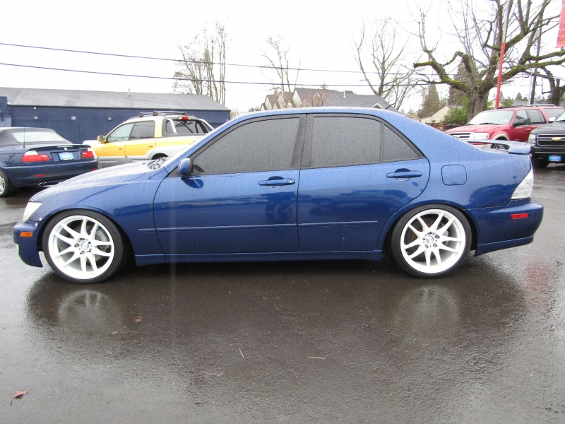 Lexus IS 300 2001 price $8,977
