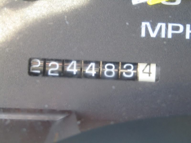 GMC Suburban 1999 price $5,977