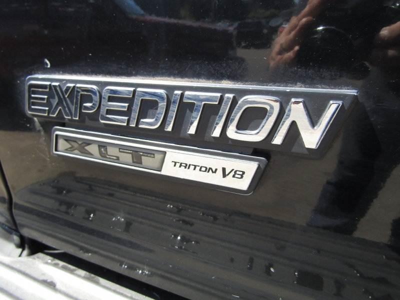Ford Expedition 2000 price $2,977
