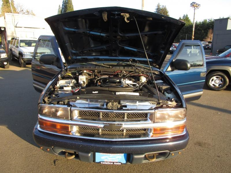 Chevrolet S-10 2001 price $5,977