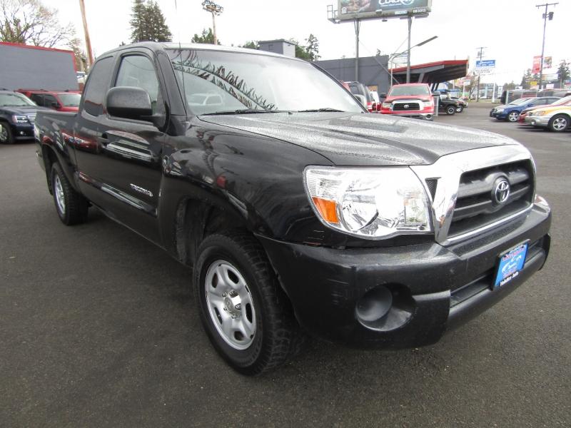 Toyota Tacoma 2006 price $10,977