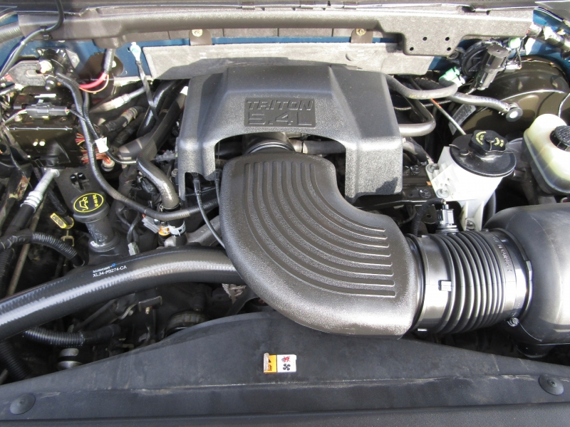 Ford F-150 SuperCrew 2001 price $12,977