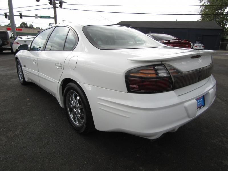 Pontiac Bonneville 2000 price $5,977