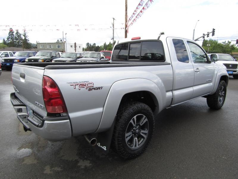 Toyota Tacoma 2006 price $13,977
