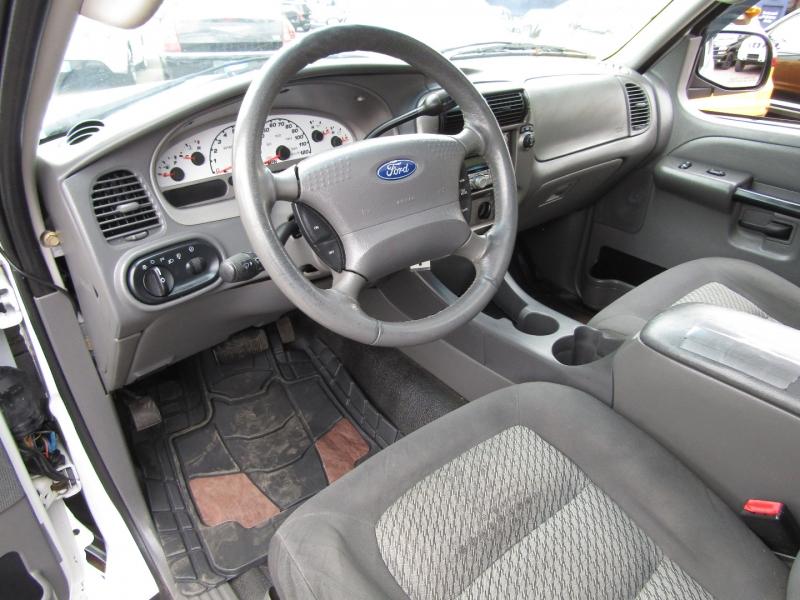 Ford Explorer Sport Trac 2005 price $8,977