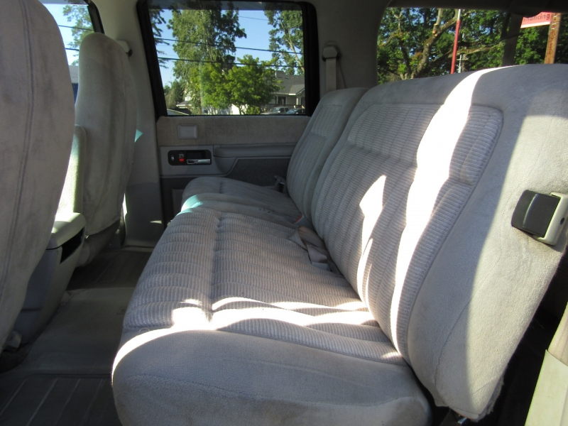 Chevrolet Suburban 1994 price $8,977