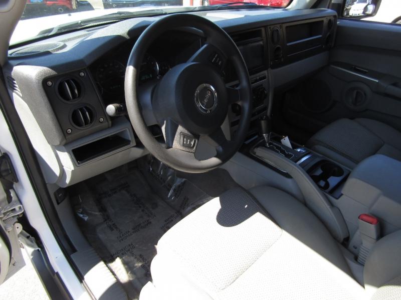 Jeep Commander 2006 price $9,977