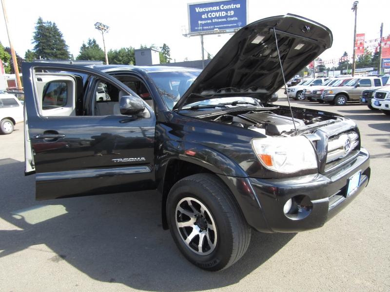 Toyota Tacoma 2006 price $12,977