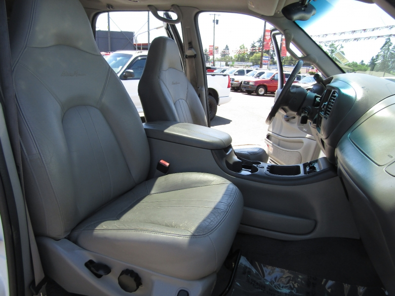 Ford Expedition 2002 price $3,977