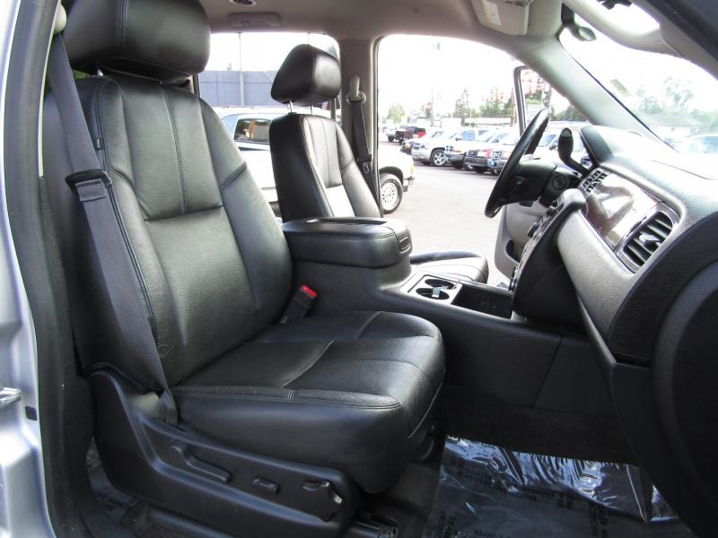 Chevrolet Suburban 2014 price $17,977