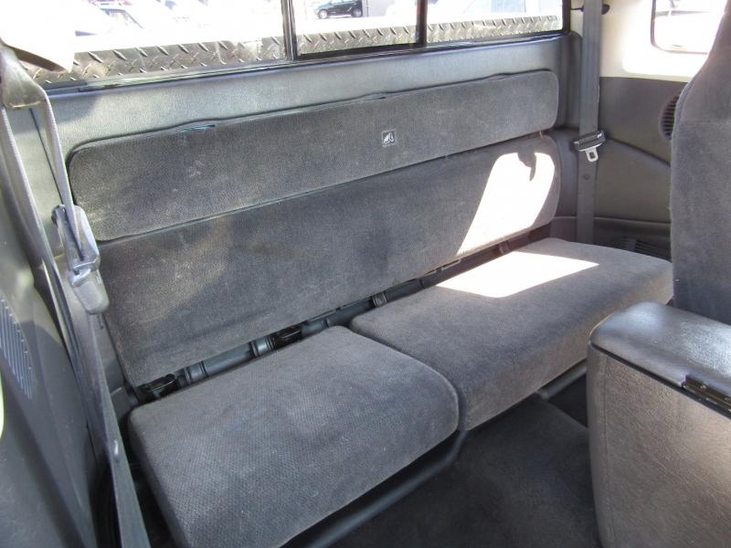 Dodge Dakota 2003 price $7,977