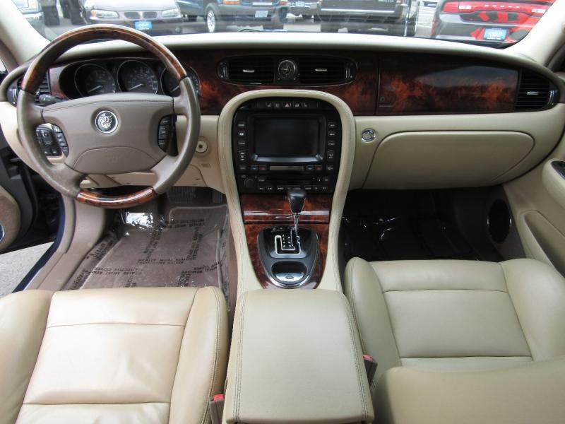 Jaguar XJ Series 2006 price $12,977